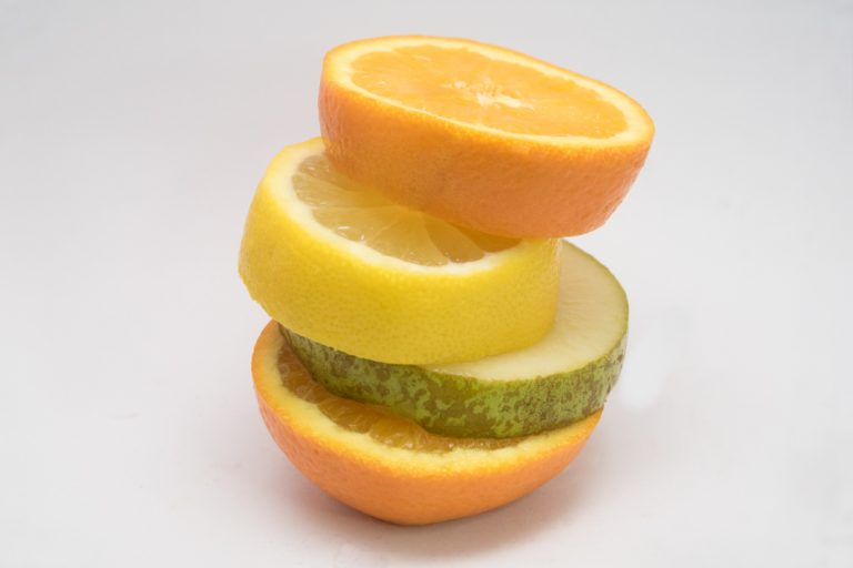 Trozos de fruta Mandarina limón pera conferencia bilcosa mercabilbao